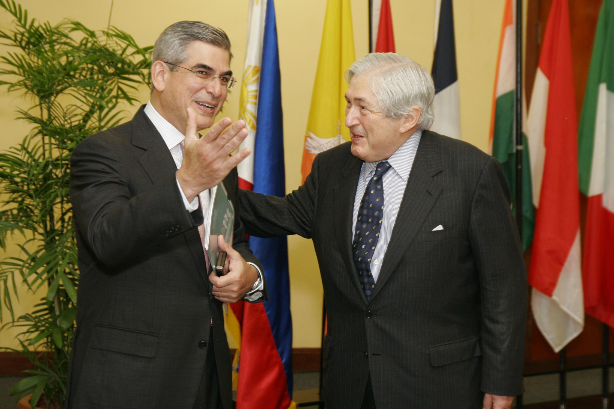 Former World Bank President Dr. James D. Wolfensohn with the Philippine Chairman of Bridges Augusto Zobel de Ayala