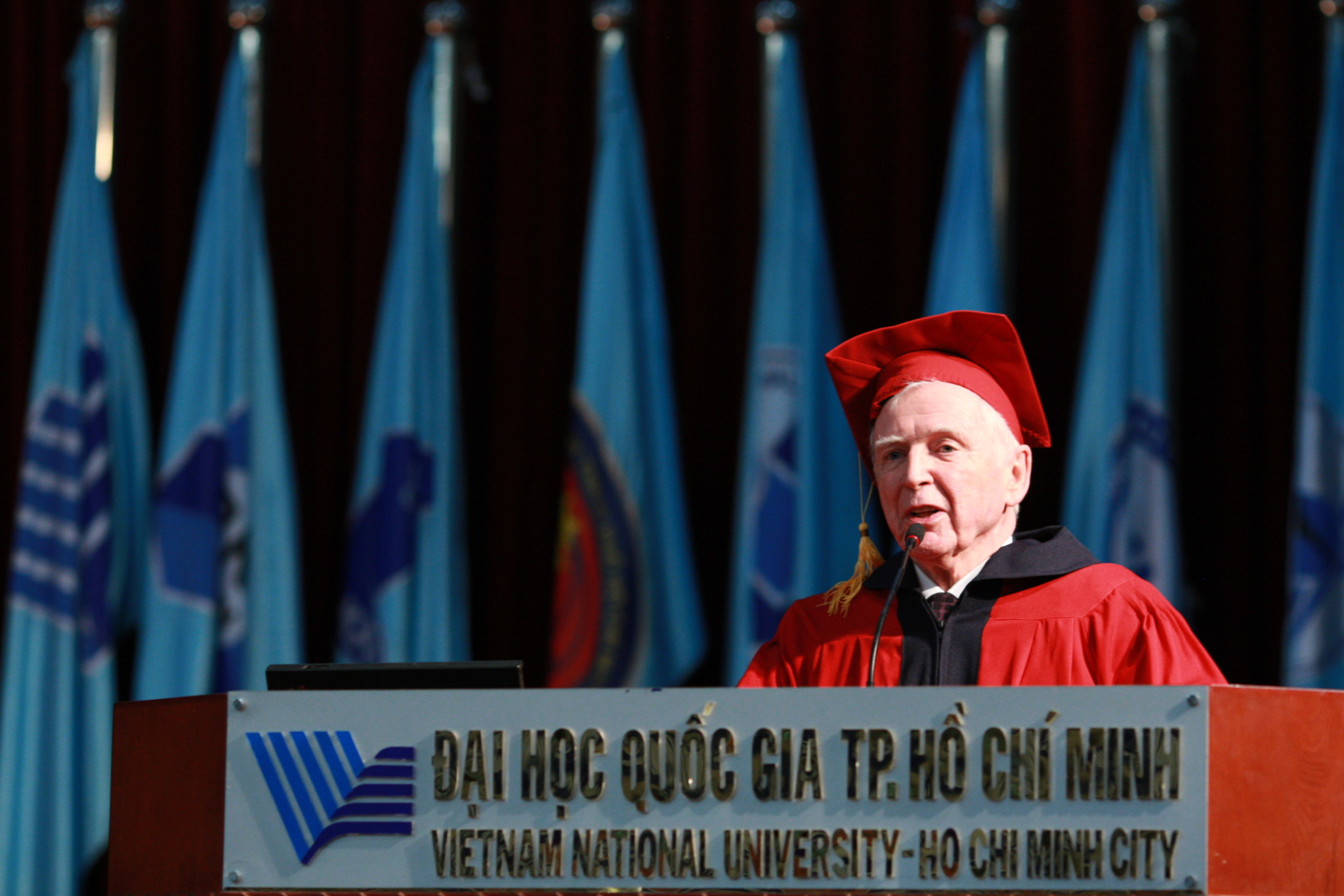 Medicine Nobel Laureate Prof. Harald zur Hausen at the Vietnam National University in Ho Chi Minh City