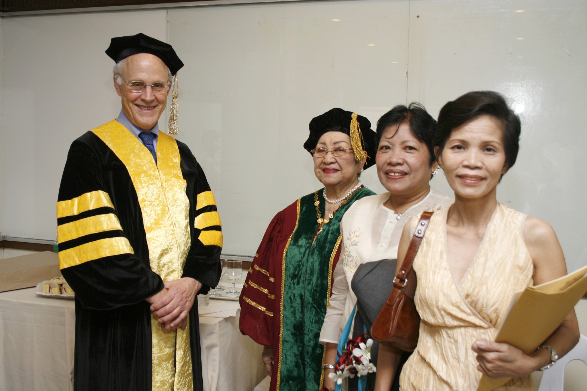 Physics Nobel Laureate Prof. David J. Gross being awarded an Honorary Doctorate Degree in Manila