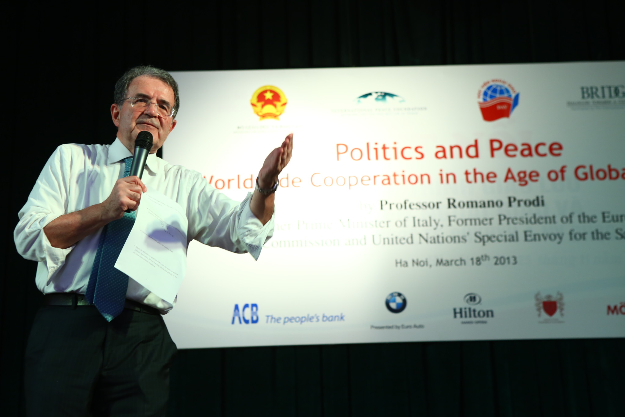President Romano Prodi at the Diplomatic Academy of Vietnam in Hanoi