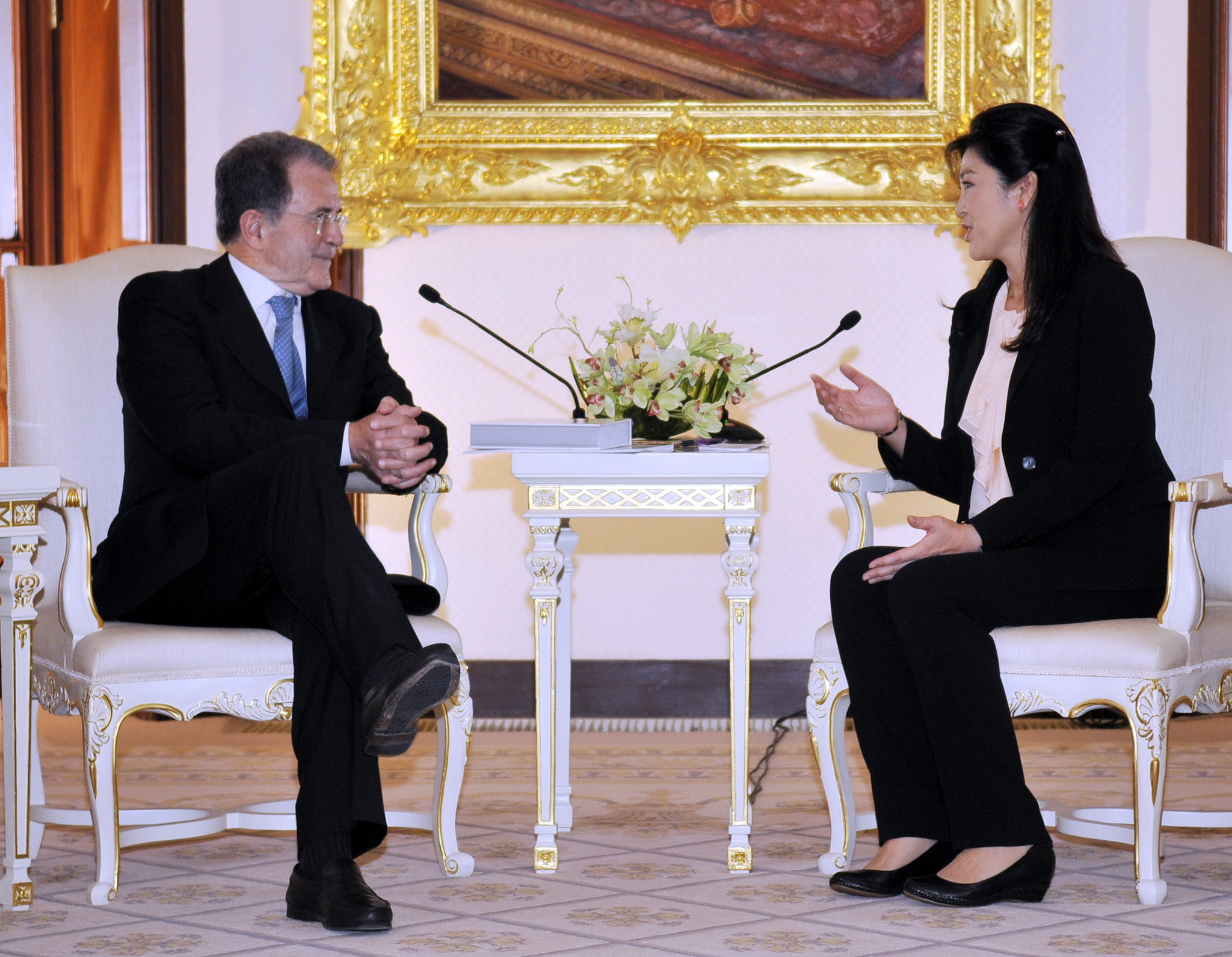 President Romano Prodi with HE Prime Minister Yingluck Shinawatra at Government House in Bangkok